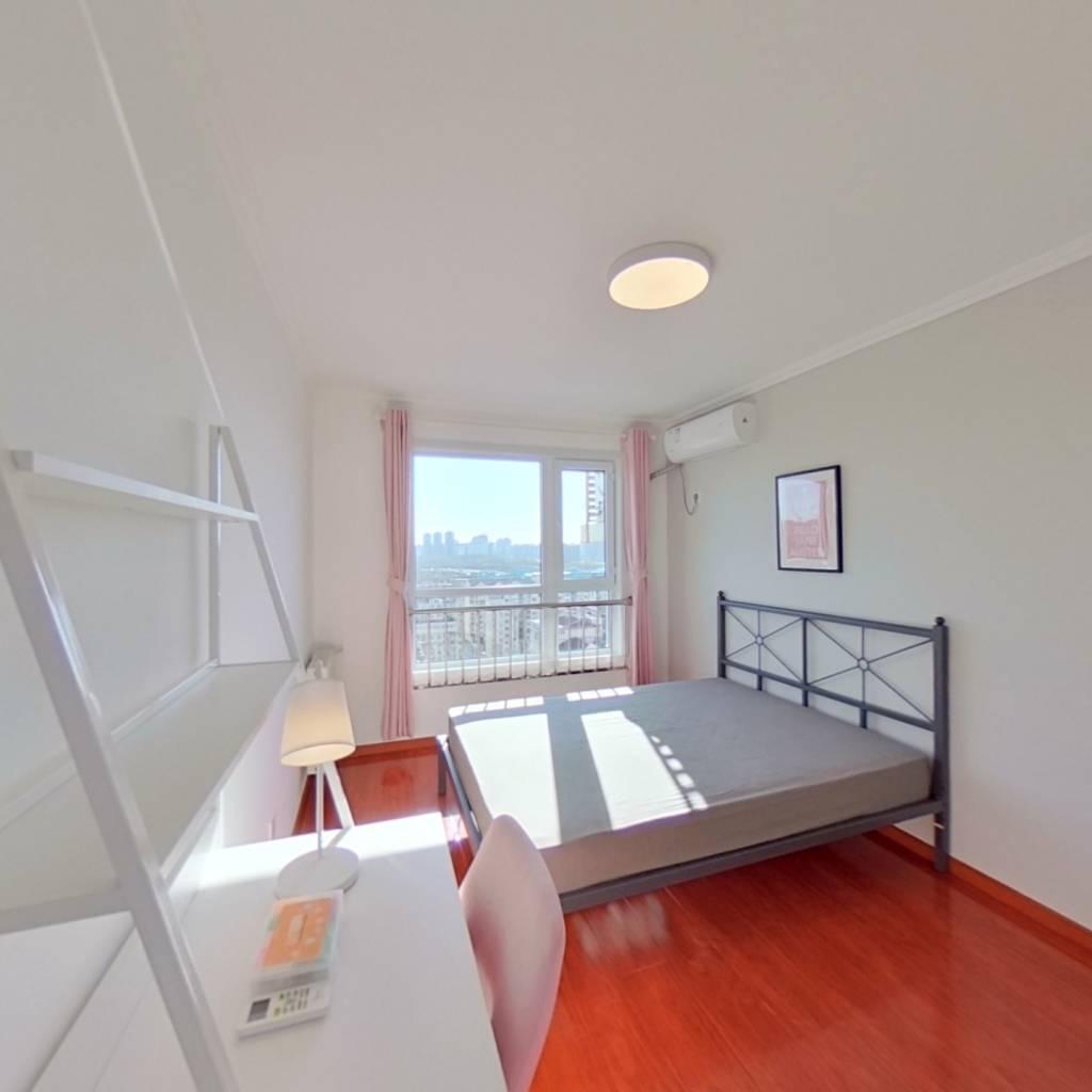 合租·清潤家園 3室1廳 東臥室圖
