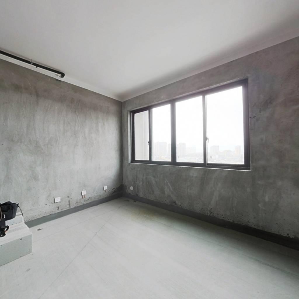 户型方正几乎每个房间都有窗户,光线很好,
