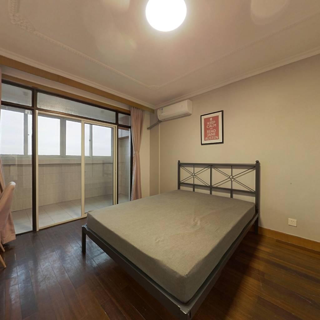 合租·龙柏易居公寓 3室1厅 东北卧室图