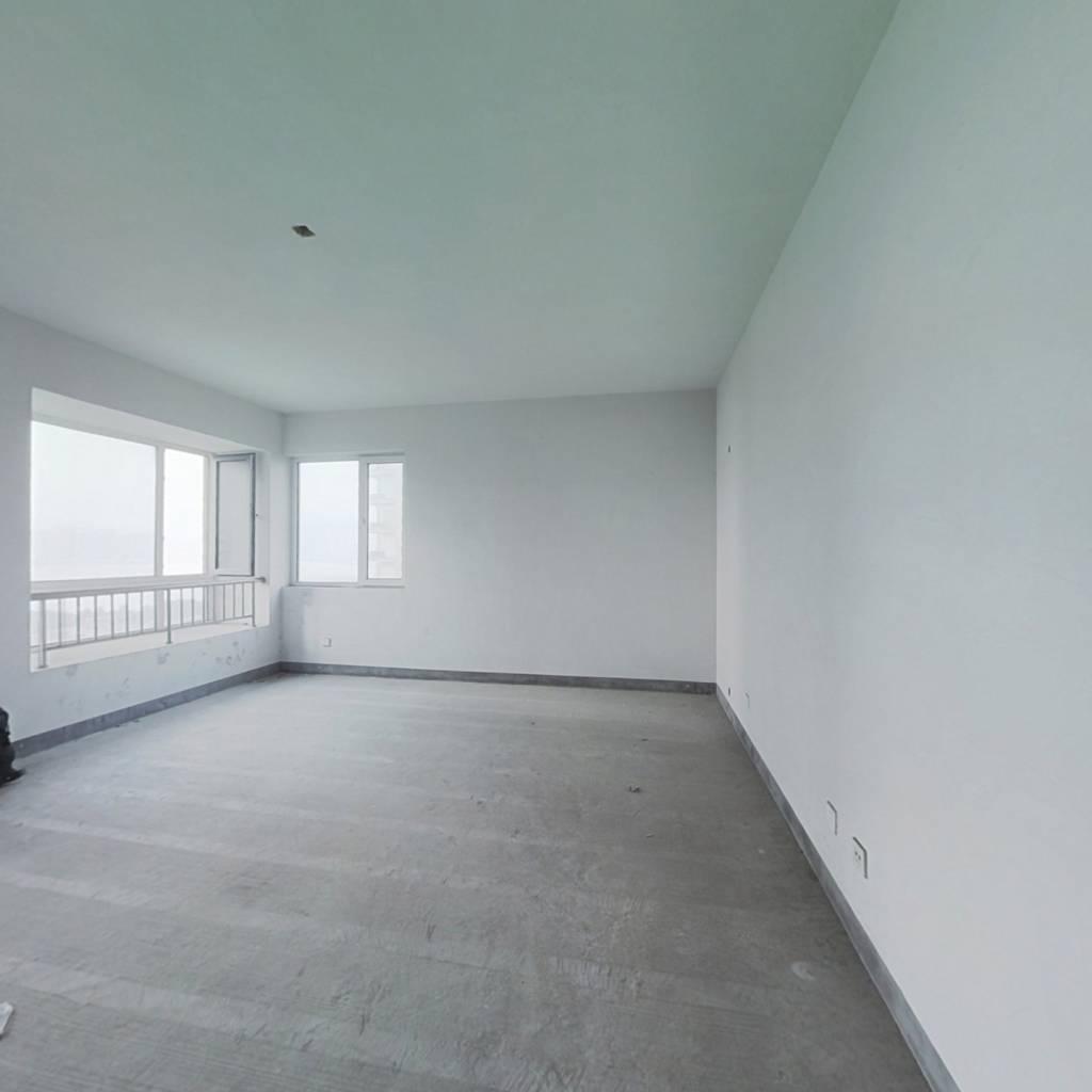 秋香推荐:楼层好采光无挡,户型方正,配套设施完善