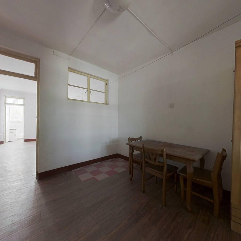 舜玉北区 两室一厅 客厅大 方正好用  南北通透