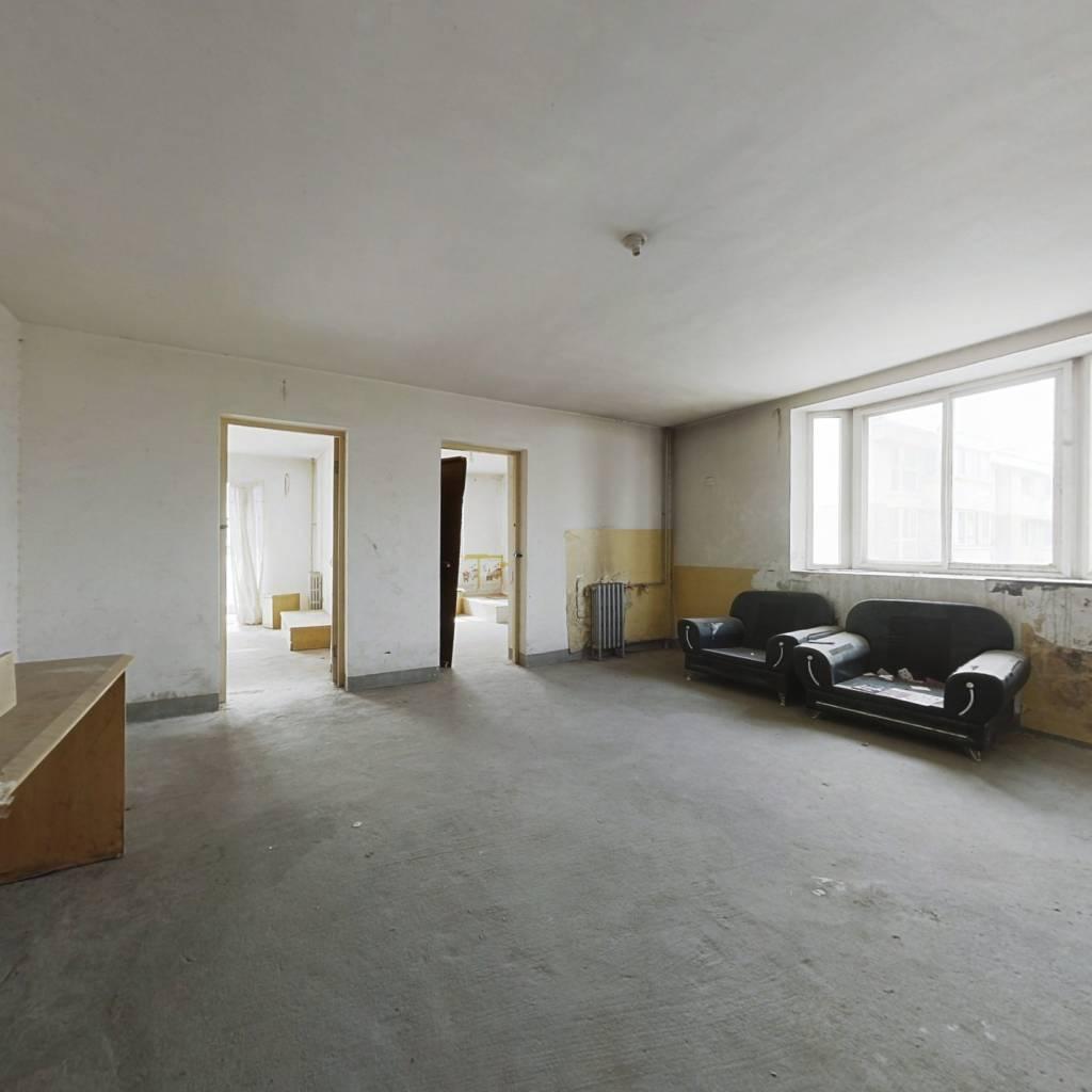 沁园春景 南北通透三居室 满五唯一 看房方便 靠谱签约