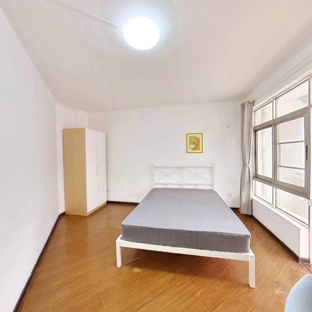 合租·东安花园 5室1厅 南卧室图