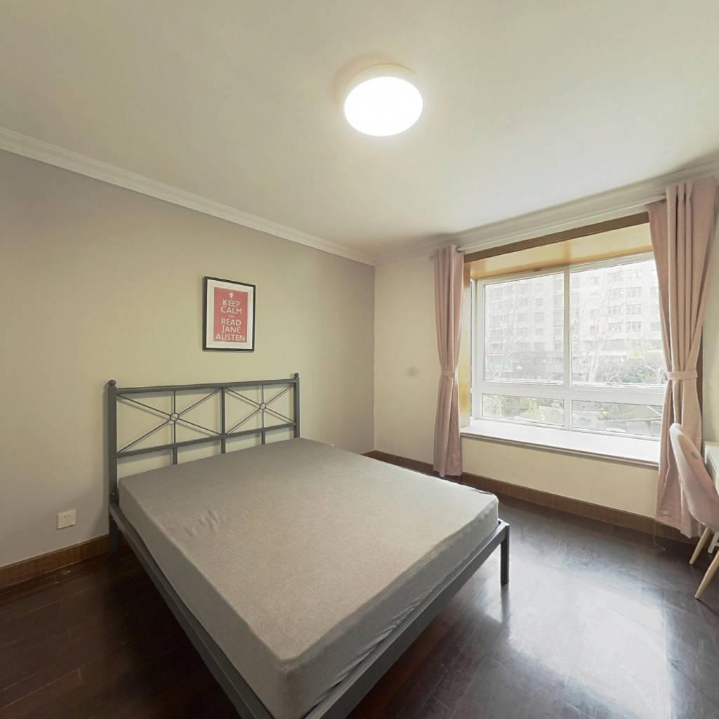 合租·明丰花园 3室1厅 北卧室图