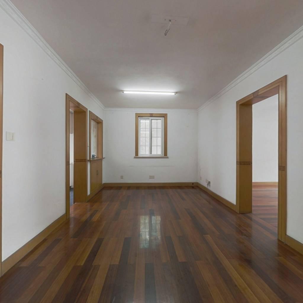 2000年房龄3楼复式80+35 带晒台带车库 景范在随时看房