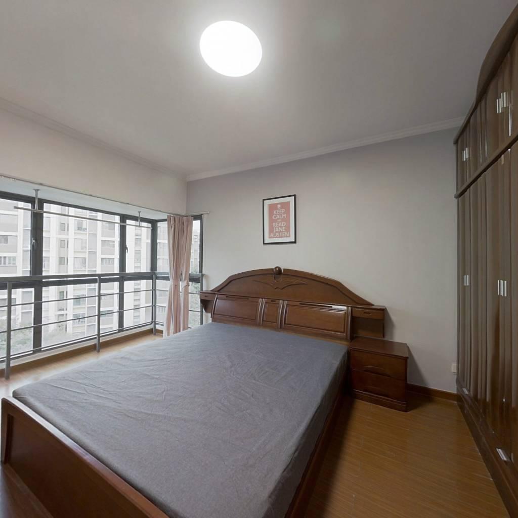 合租·万达紫金明珠 4室1厅 南卧室图