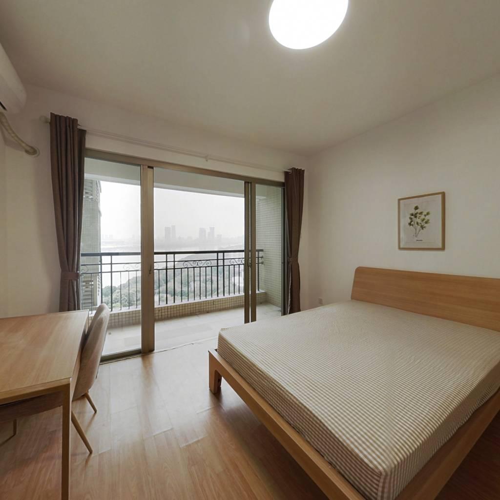 合租·美林海岸花园 4室1厅 东卧室图