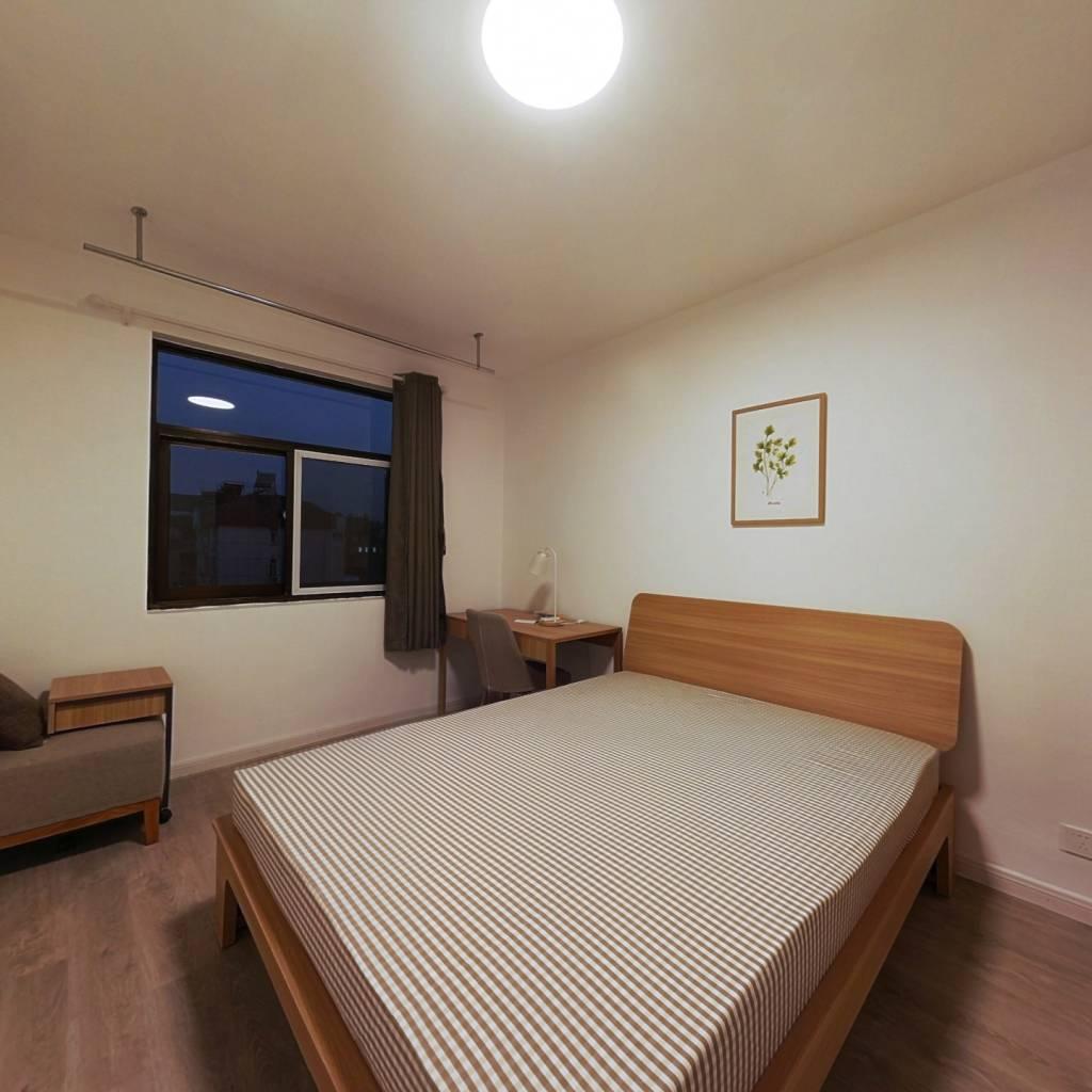 合租·石头城 3室1厅 北卧室图