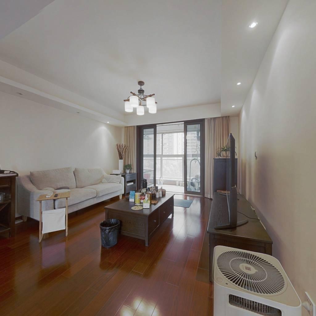 品质小区,南北通户型,业主诚意出售,看房方便