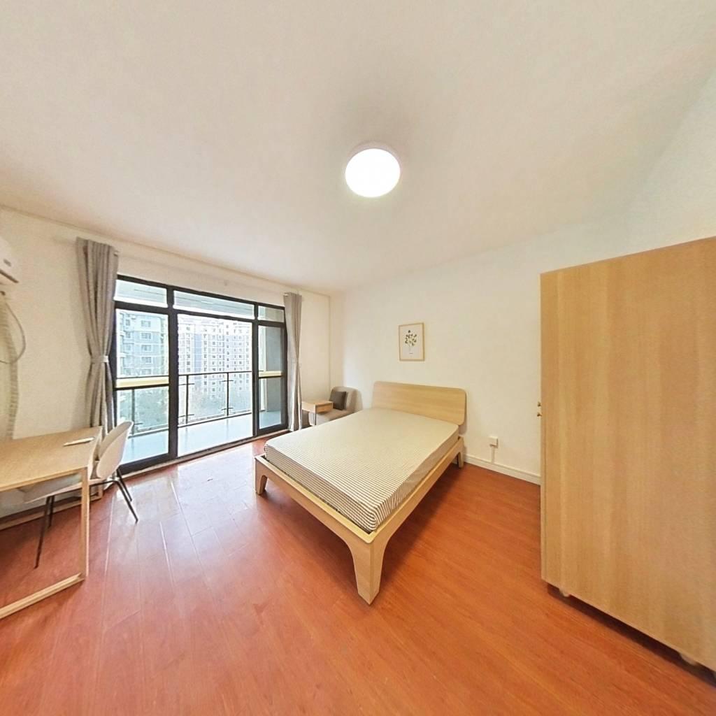 合租·金桥港湾花园 4室1厅 南卧室图