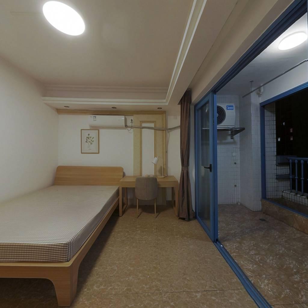 合租·锦绣银湾 4室1厅 西北卧室图