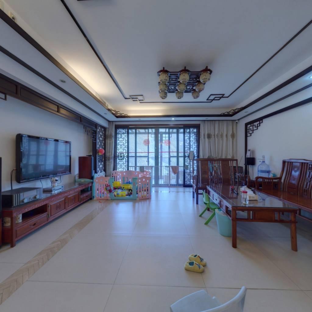 星河丹堤F区186平大3房,朝南看山景,客厅及卧室朝南