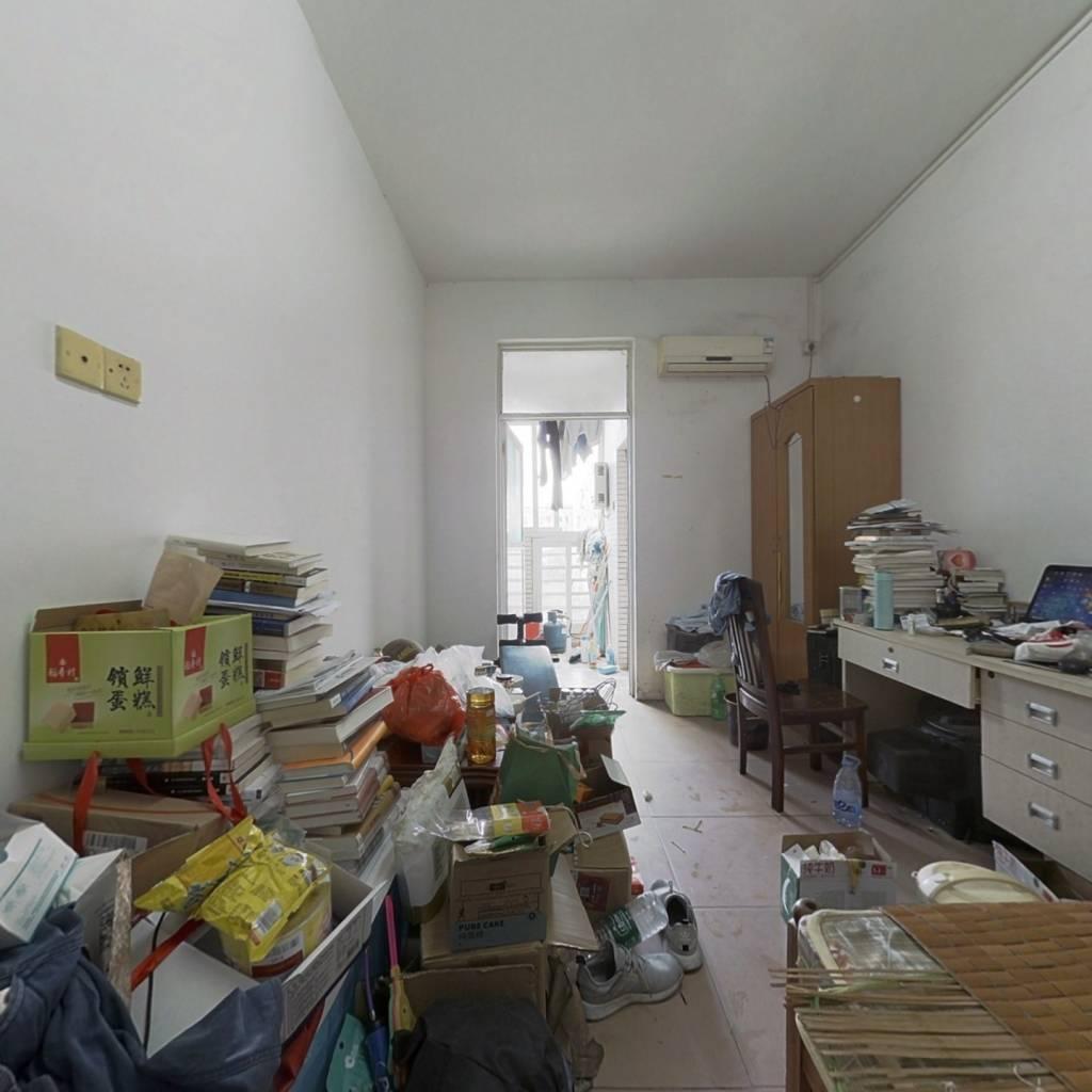 山水花城,22平,朝小区,13万