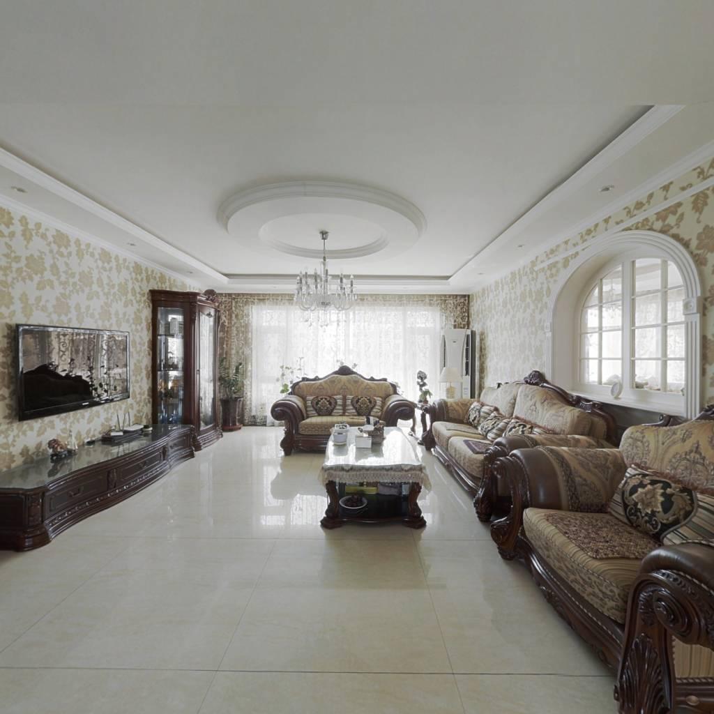 一线海景住宅、百万精装修,看房随时。