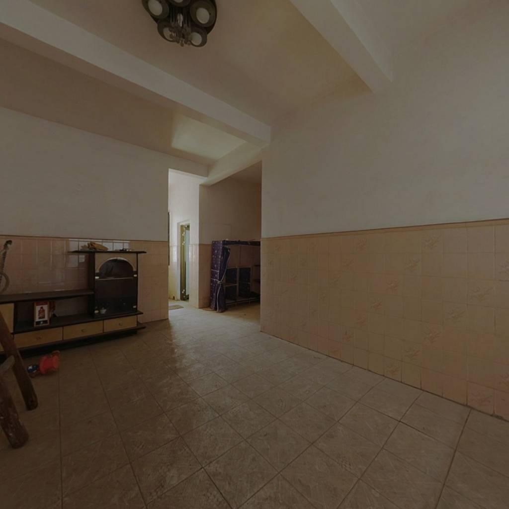此房格局方正,视野宽阔,屋内实用面积大,配套成熟
