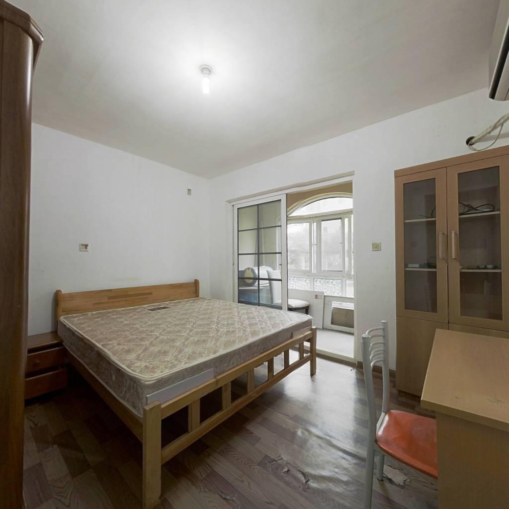 绿地香颂(奉贤)(公寓) 1室1厅 南