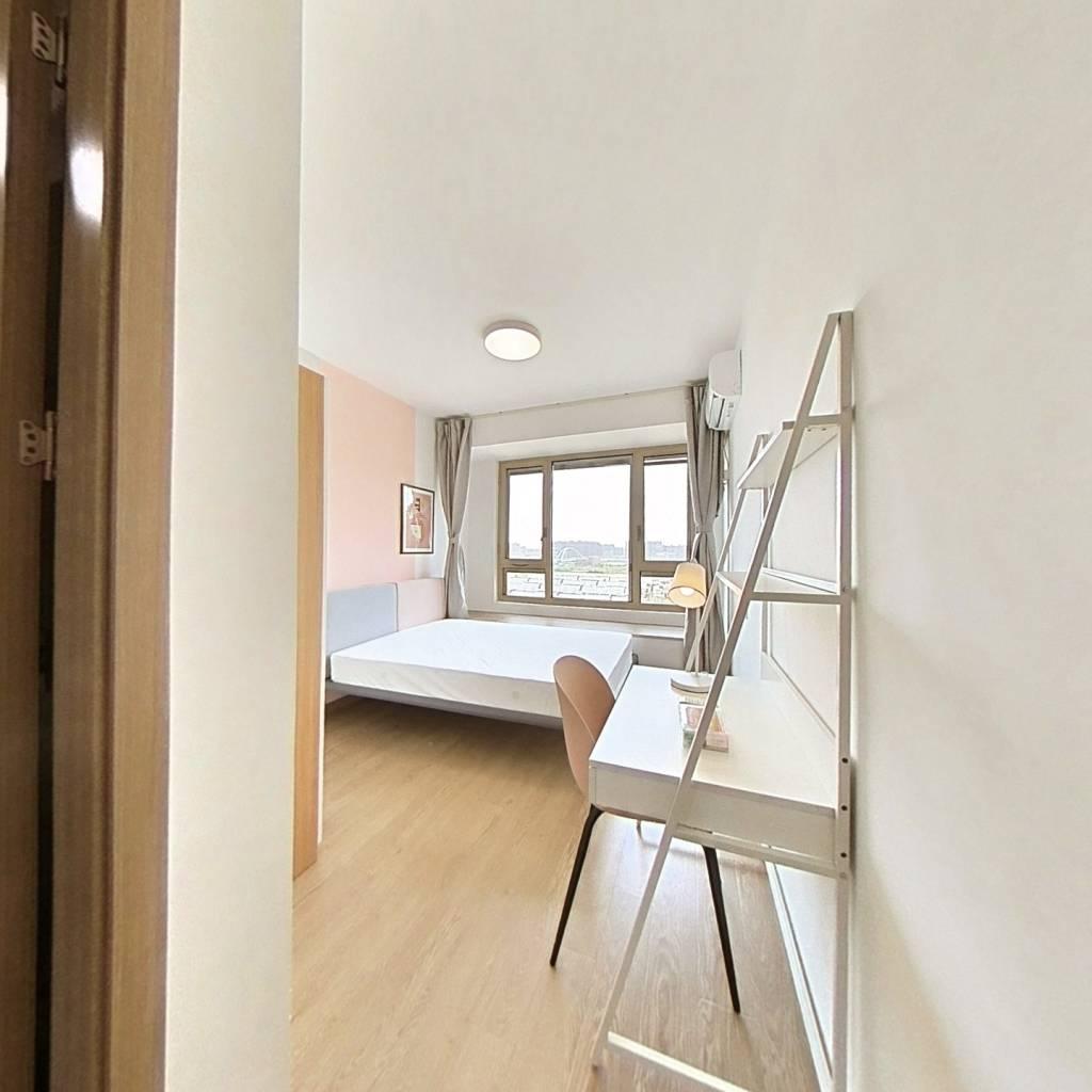 合租·央玺 4室1厅 南卧室图