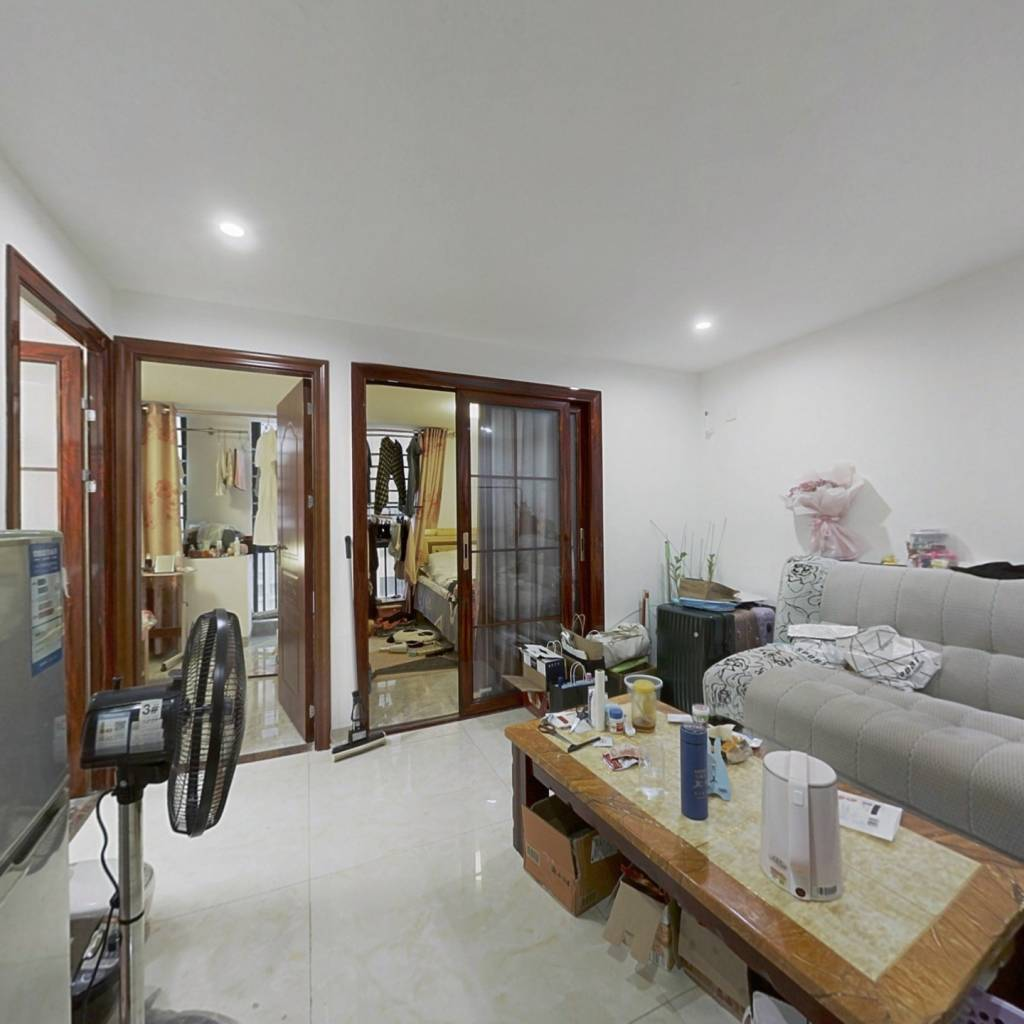 四海锦园精装六房,层高5.1米,业主诚心出售