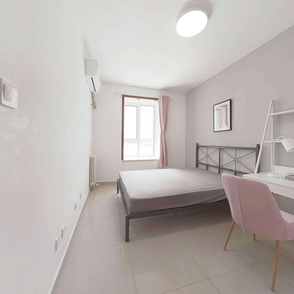 合租·六里屯五区 3室1厅 南卧室图