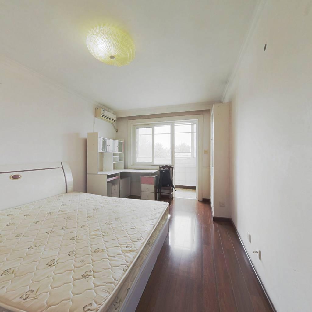金融街 两间卧室朝南双阳台 电梯直达 采光好