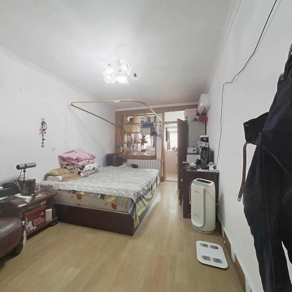 甸柳小区一区 单位宿舍 楼层好 户型紧凑 配套齐全