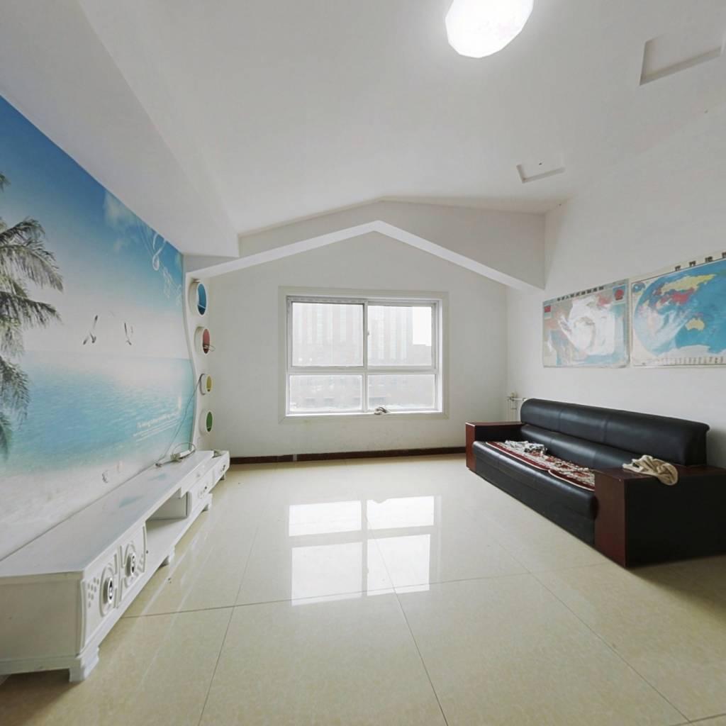 优诗美地简装两室,带阳光房,业主急售。