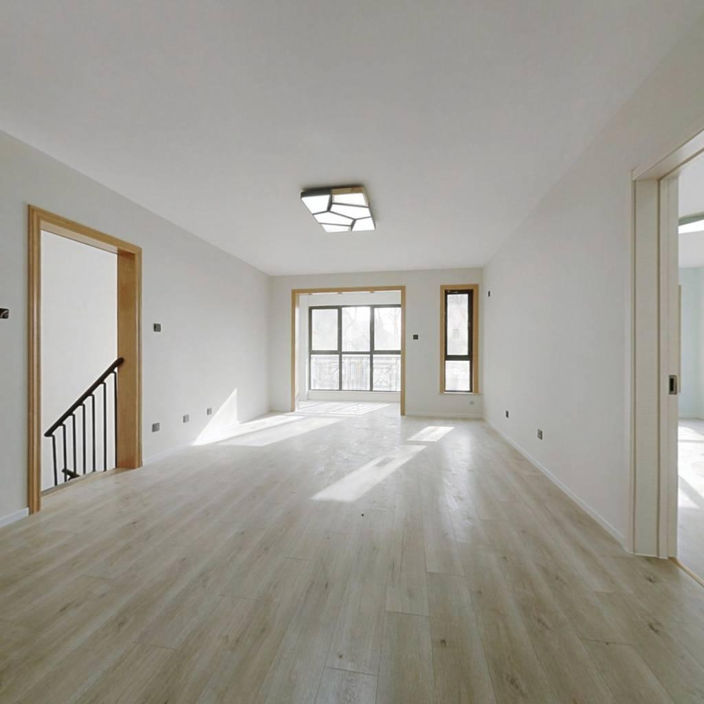 绿城百合公寓天风苑下跃,精装修一天没住过看房方便。