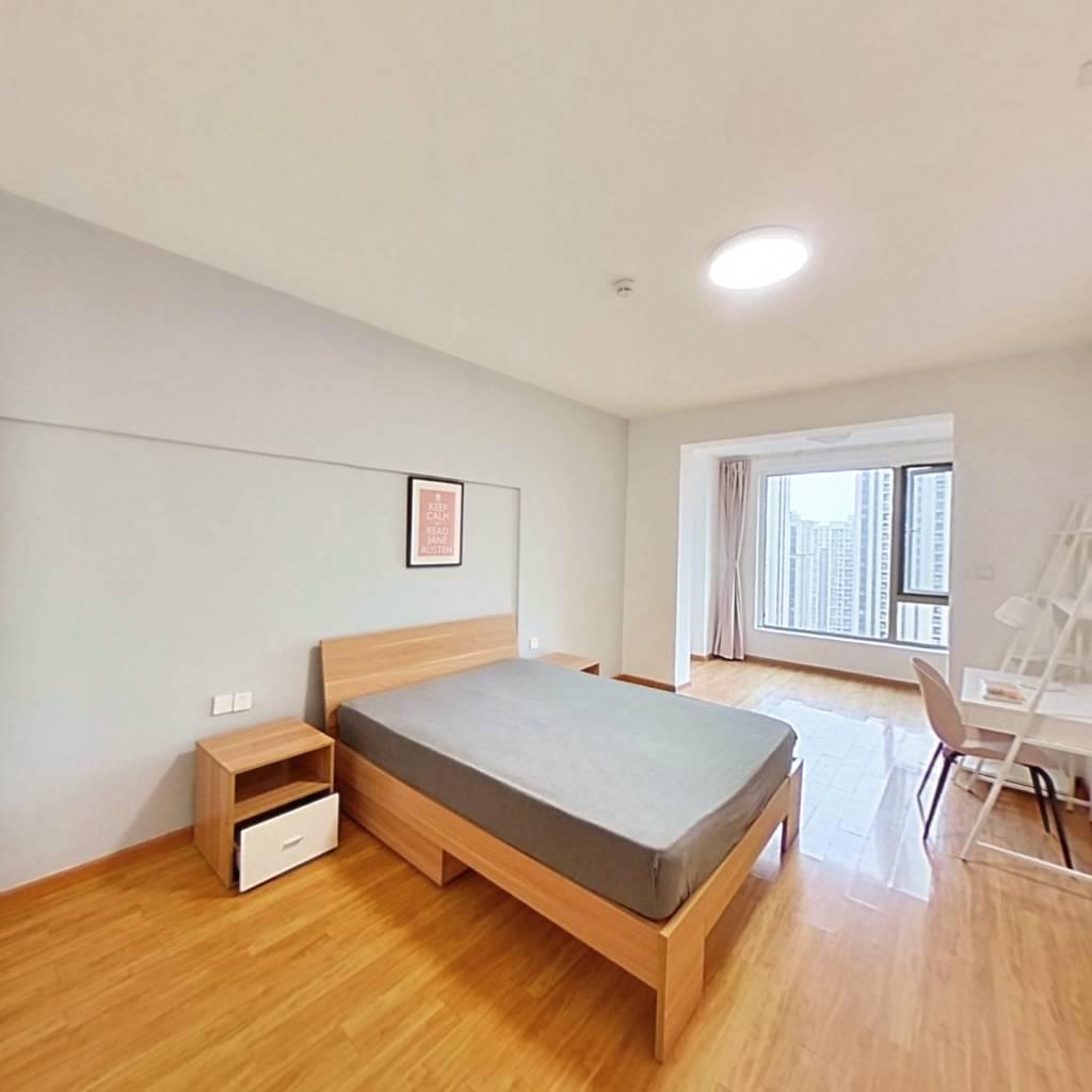 合租·宋都晨光国际 5室1厅 南卧室图