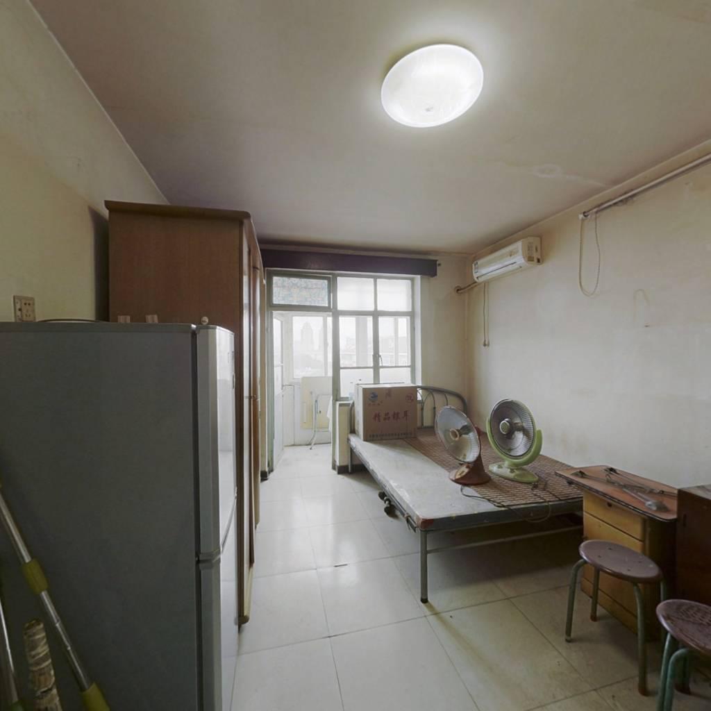 盈江西里 1室1厅 东