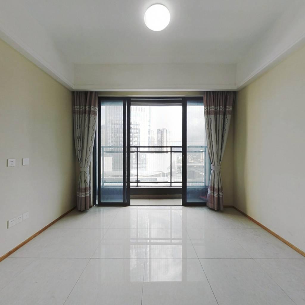 荣德精装三房,红本,无需购房资质,40年产权,非住宅