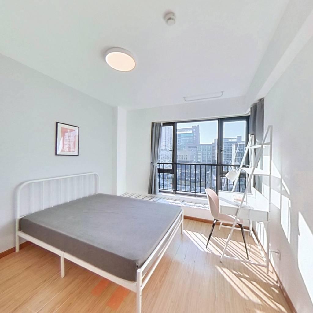 合租·金色蓝庭 4室1厅 南卧室图