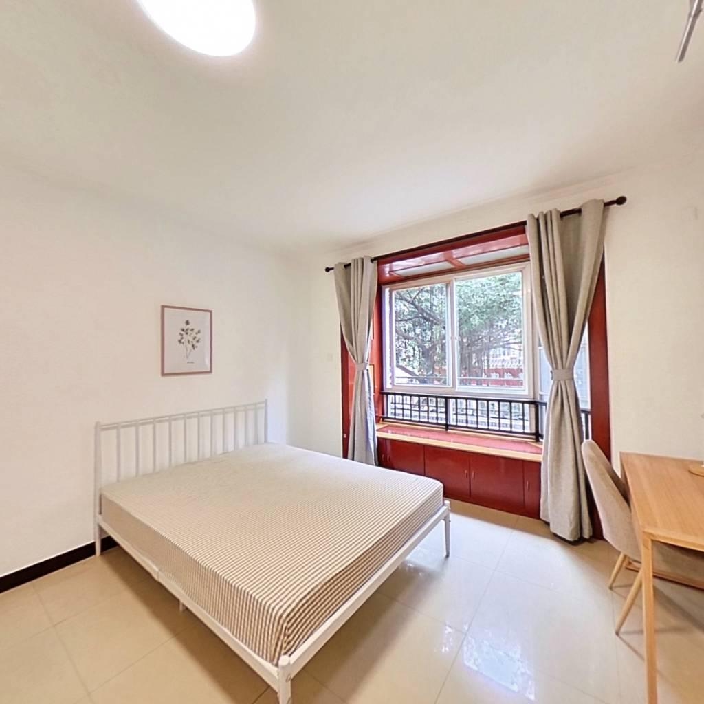 合租·巴黎阳光 3室1厅 西北卧室图