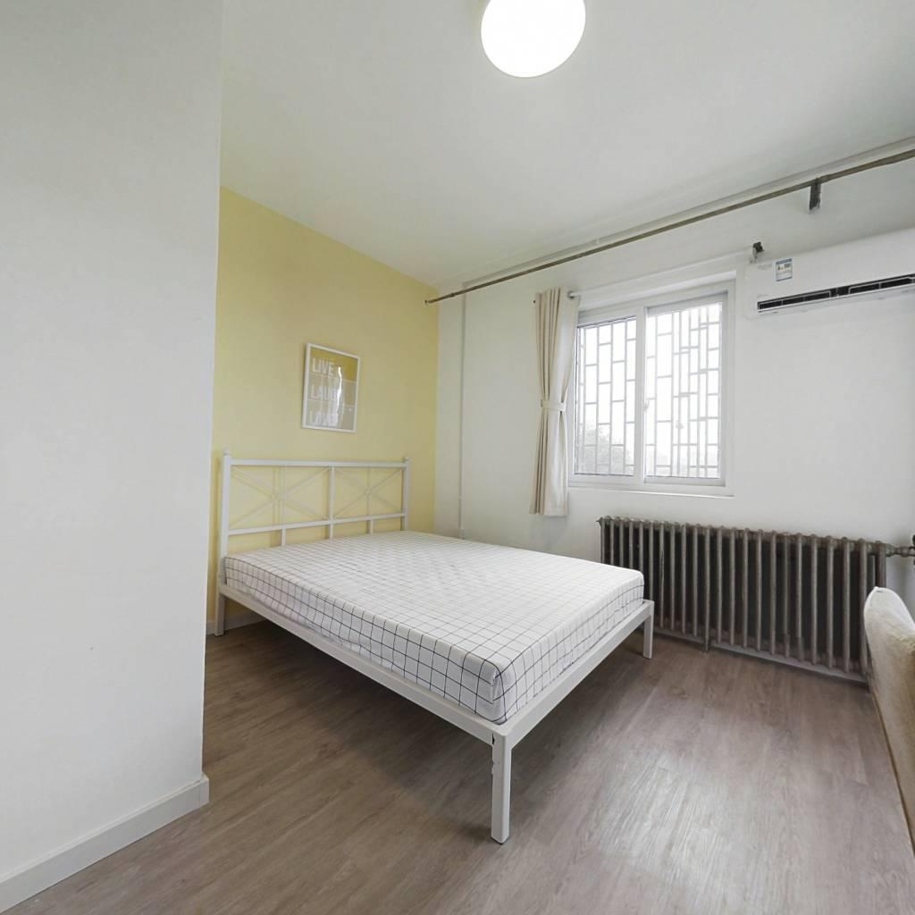 合租·龙兴园中区 2室1厅 南卧室图
