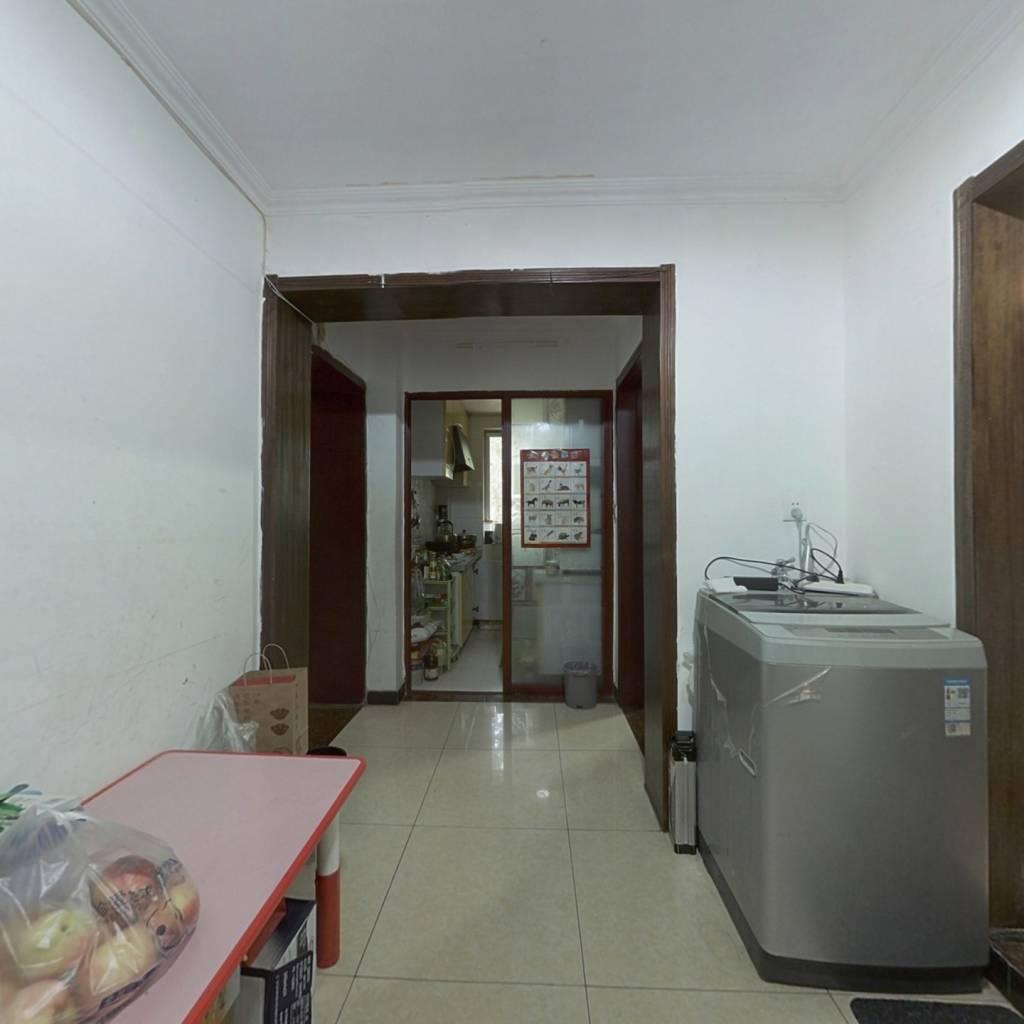 加气混凝土厂宿舍 中间层 两居室