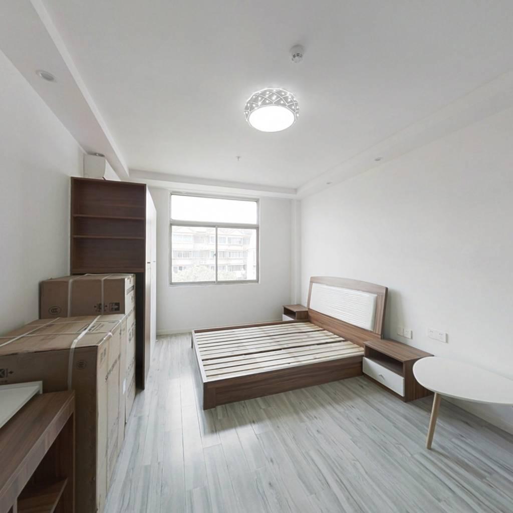 中盛公寓   精装修  两房   交通便利