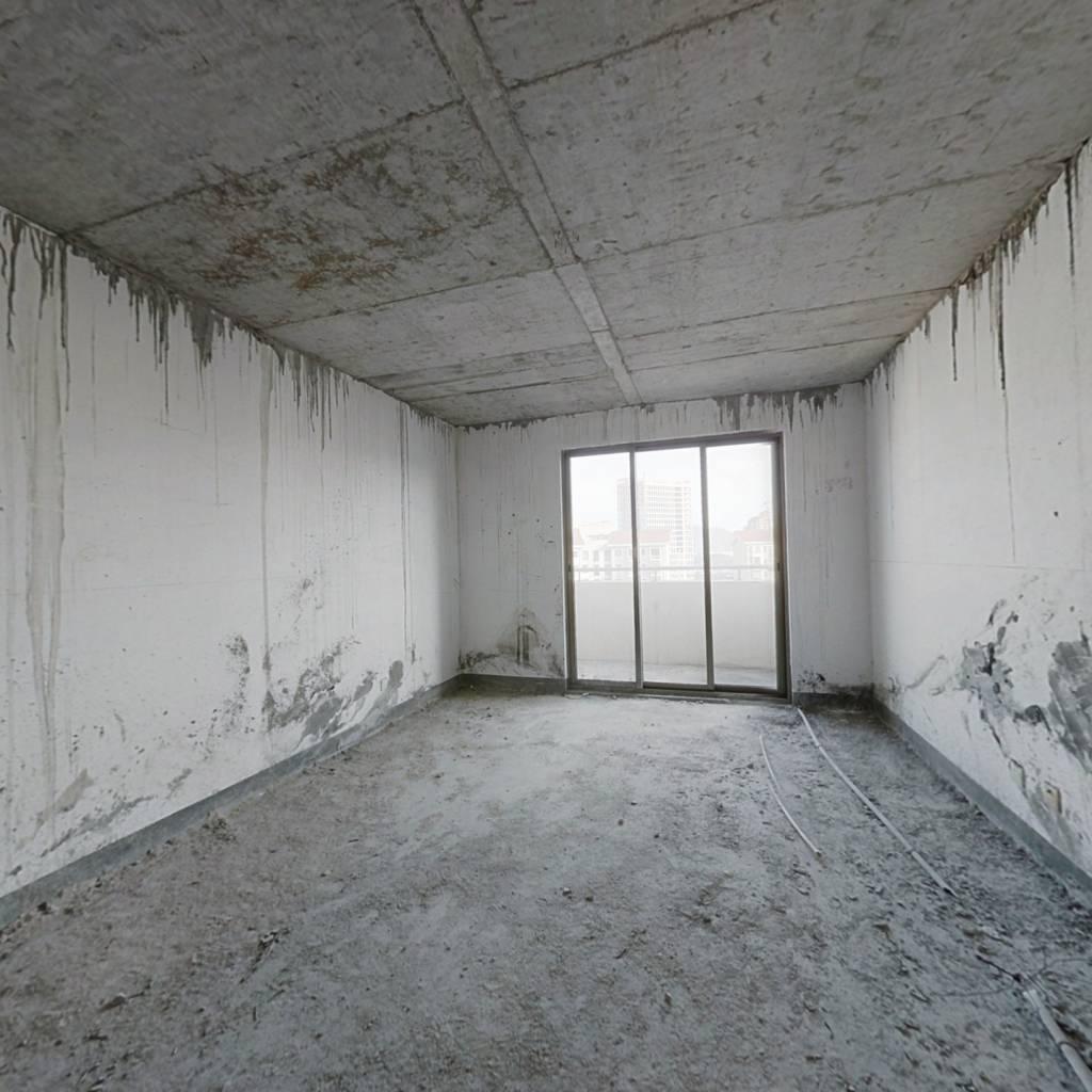 地铁口 天竺山脚下 东孚过云溪  毛坯挑空已倒板做四房
