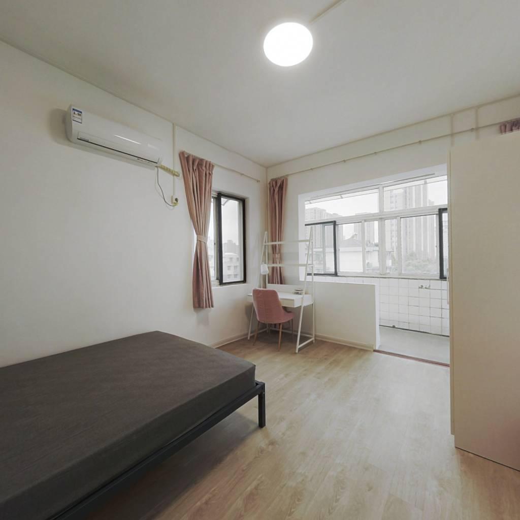 合租·翠苑三区 3室1厅 西卧室图