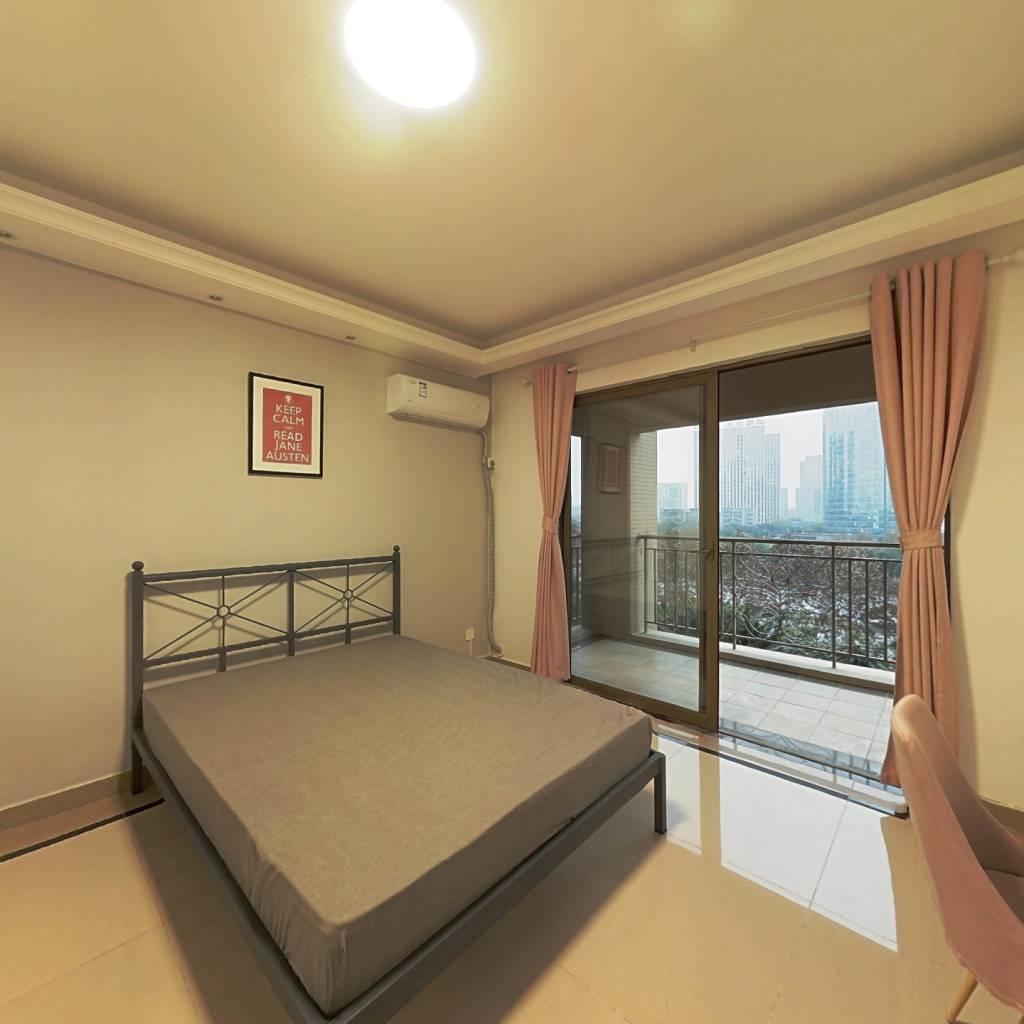 合租·天悦龙庭 4室1厅 东北卧室图