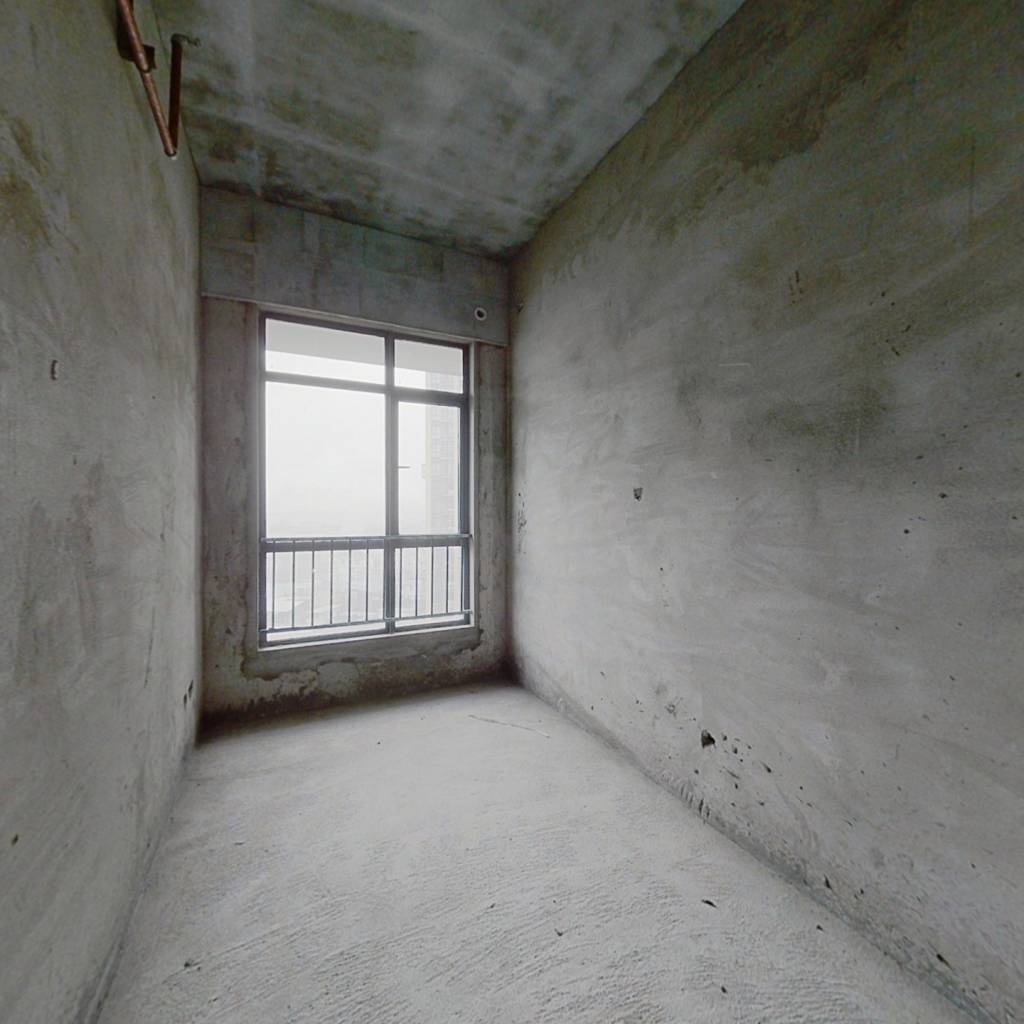 树木岭正地铁口,小面积公寓,总价低,纯毛坯