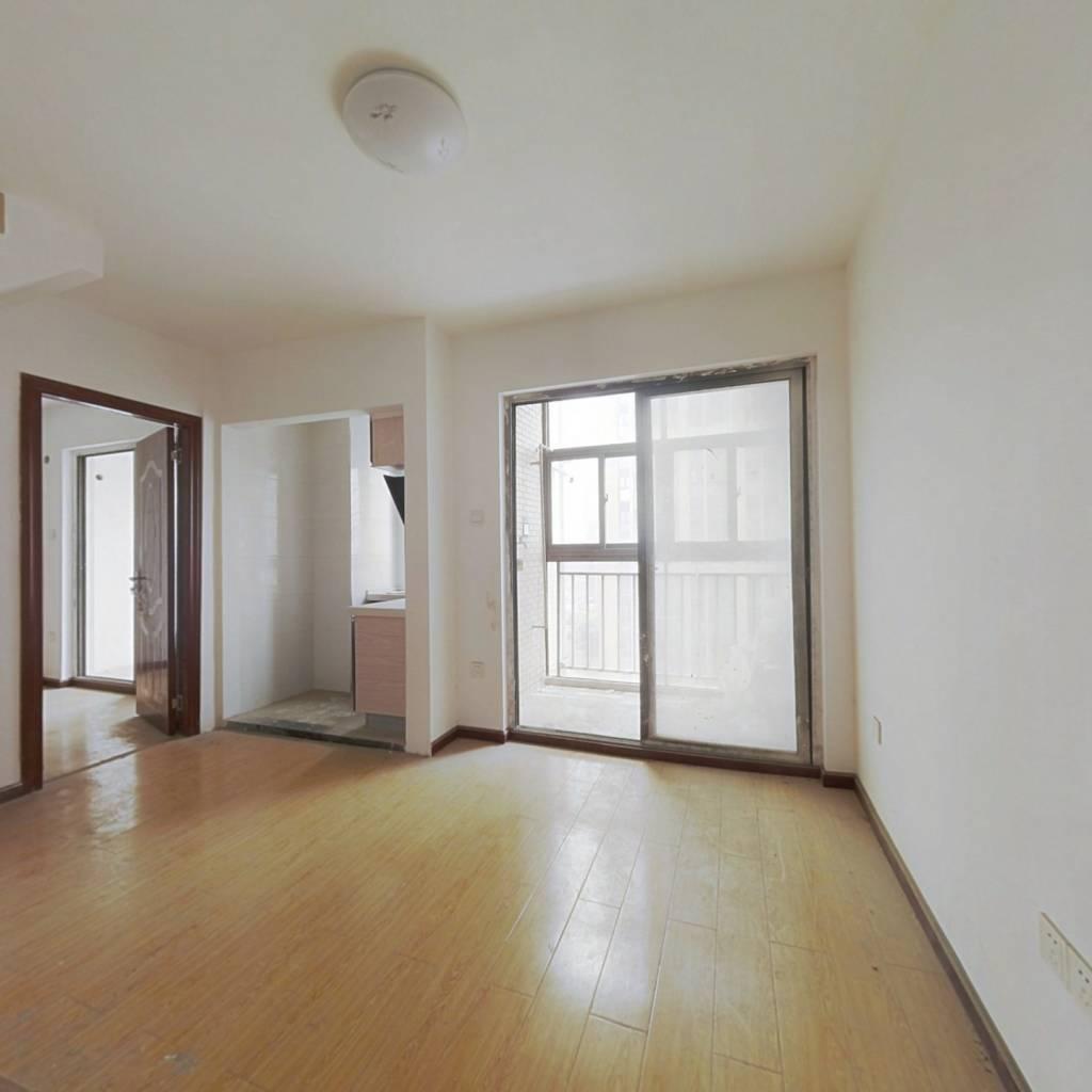 武汉SOHO精装公寓,采光好。