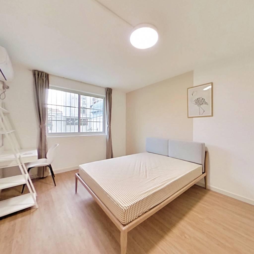 合租·银华苑(浦东) 3室1厅 南卧室图