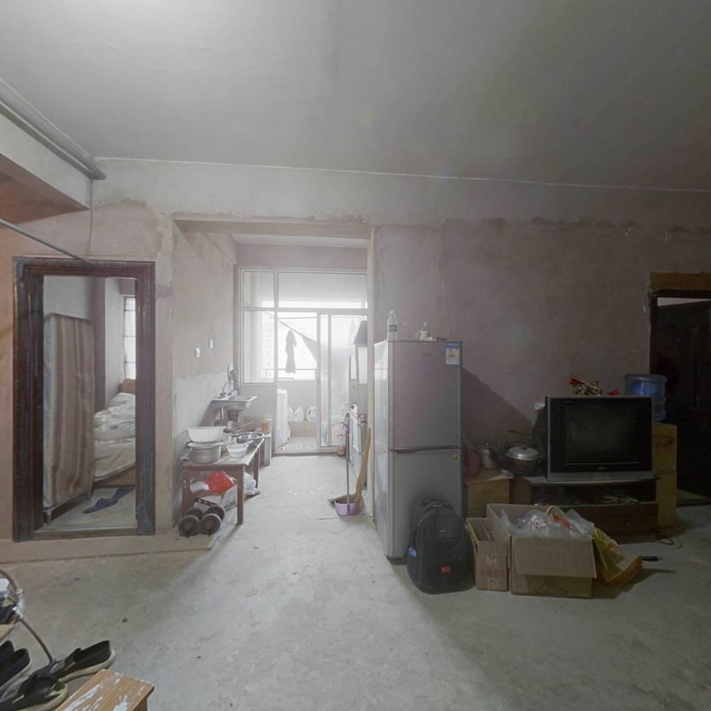 建工新城两室 带车位 诚心出售 中上楼层 视线好