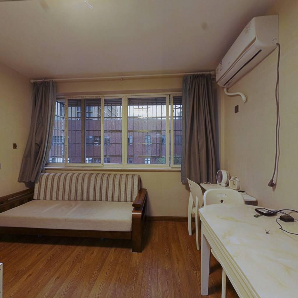 江南绿洲70年产权,1室0厅1厨1卫25平,诚心出售
