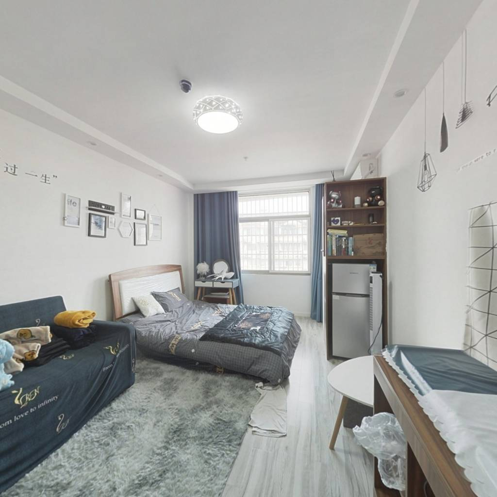 中盛公寓 精装一室一厅 随时看房 拎包入住