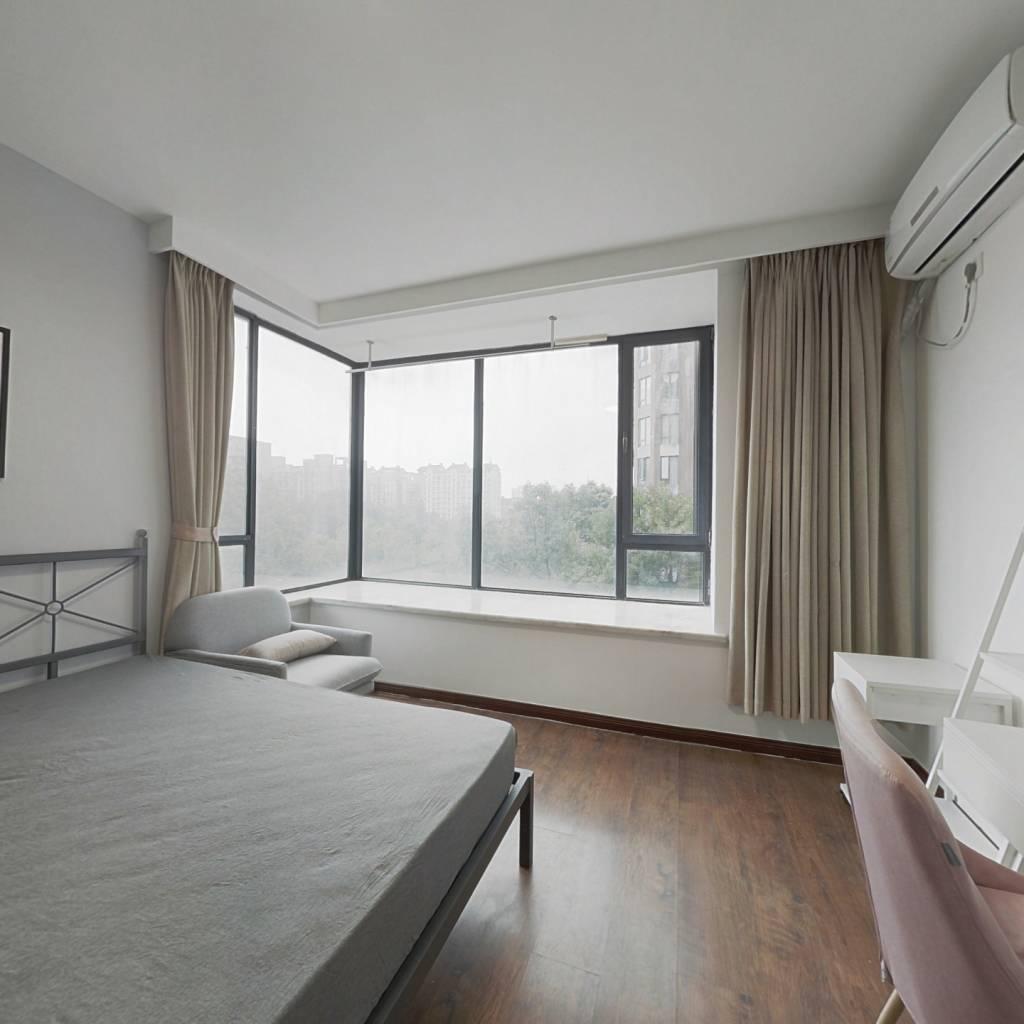 合租·亲亲家园三期 4室1厅 南卧室图