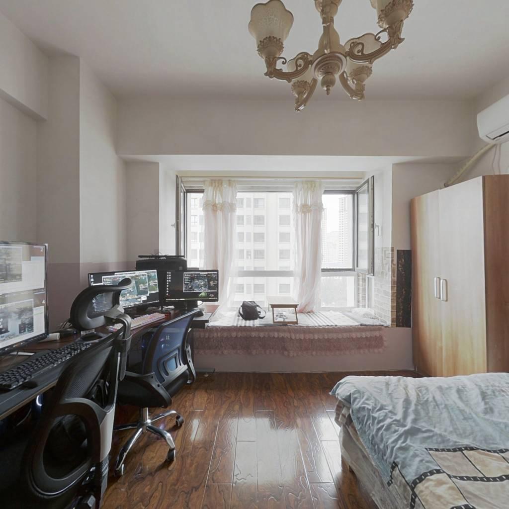 奥园会展公寓   适合tz,现在就有租户   能常年租