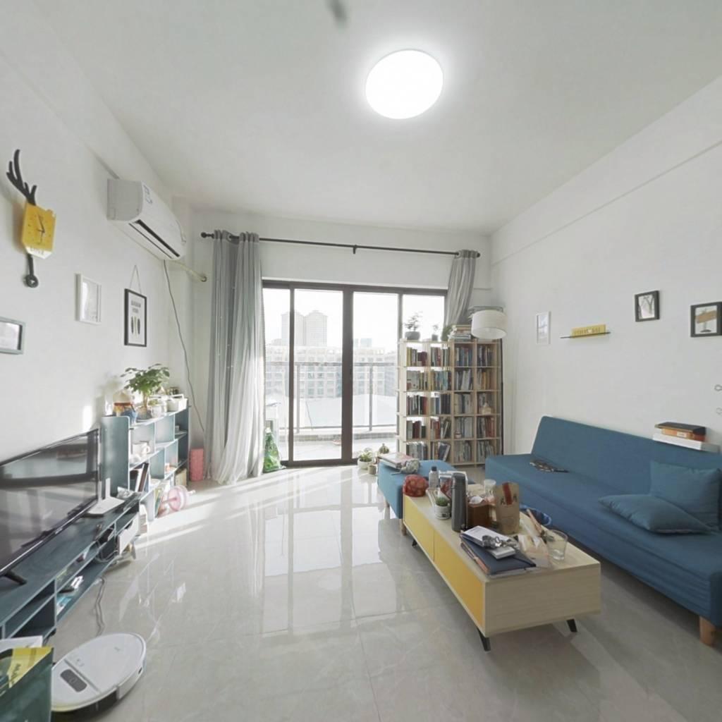 近珠海  新小区 精装修,南北通2房 80平98万