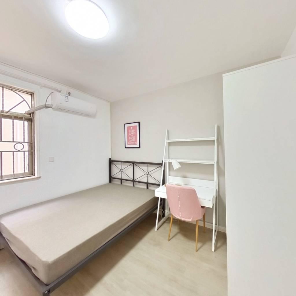 合租·英达花园 5室1厅 西卧室图