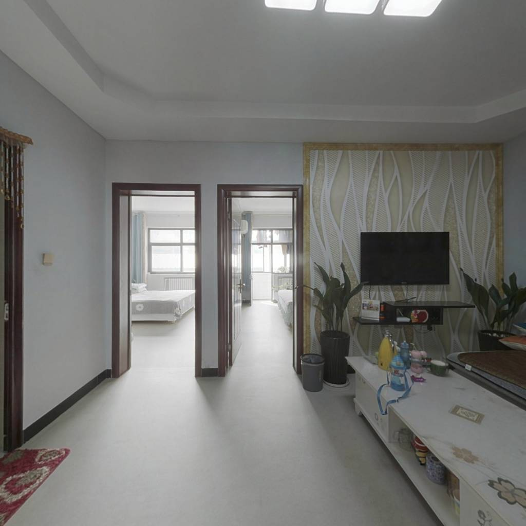 槐阳大街精装三室,中间楼层,有房本能过户贷款