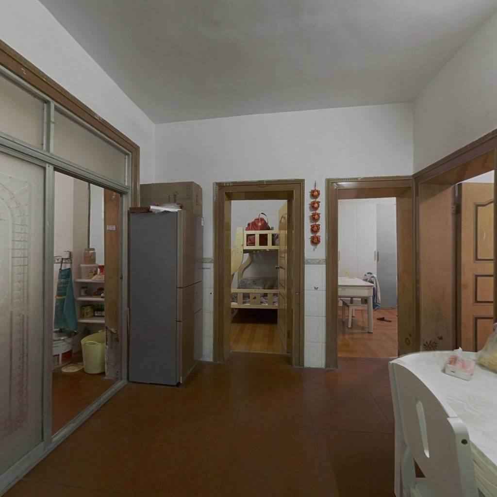 岚湖路223号,3室2厅,房子在老城区,南